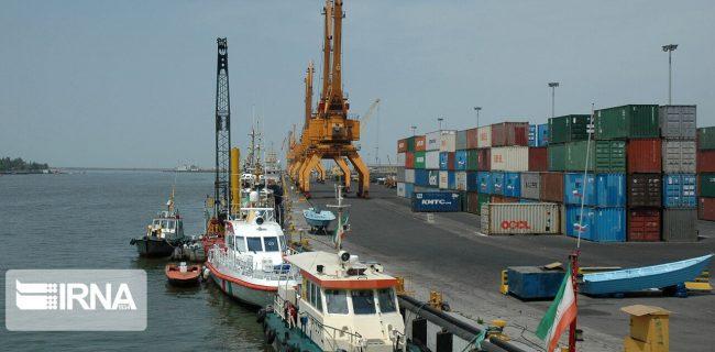 استاندار گیلان: دستگاههای دولتی ملزم به کمک به امر صادرات هستند
